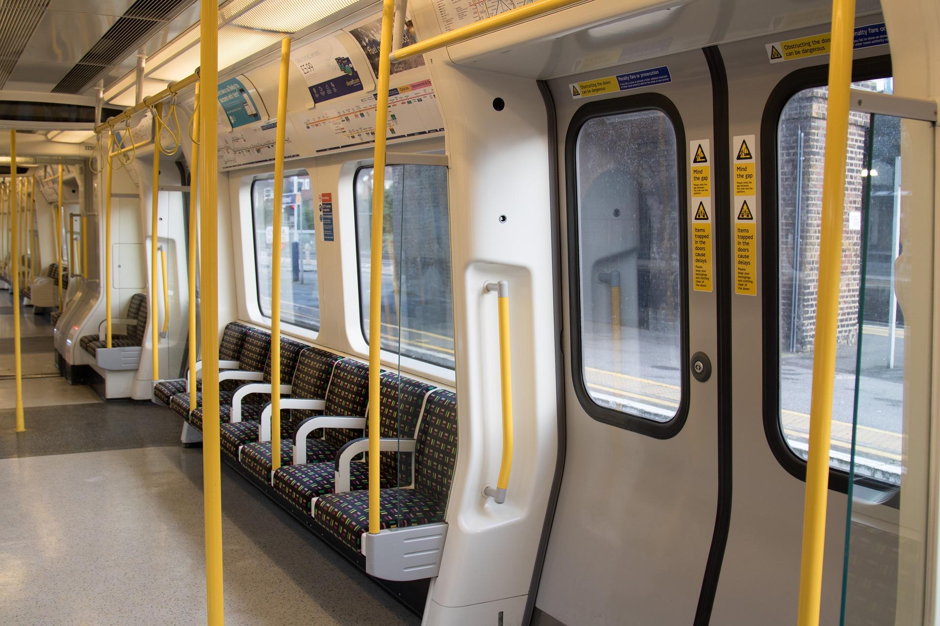 london-underground-2085647_1920 (1)